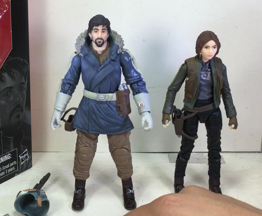 Jyn and Cassian ready to go