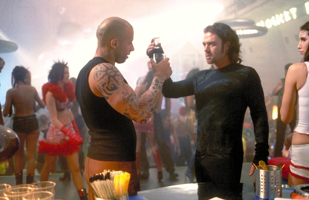 Xander and Yorgi meet on the set of The Fifth Element